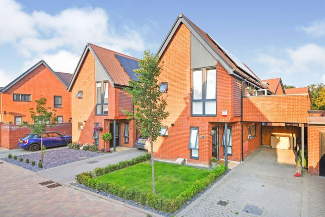 Thumbnail Detached house for sale in Niblick Green, Chelmsford