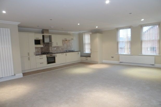 Thumbnail Flat to rent in Greenmount Lane, Bolton