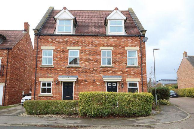 3 bed semi-detached house for sale in Oak Way, Selby YO8