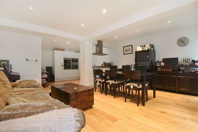 Thumbnail Semi-detached house for sale in Market Yard Mews, London Bridge