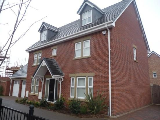 5 bed detached house to rent in Victory Boulevard, Lytham St.Annes