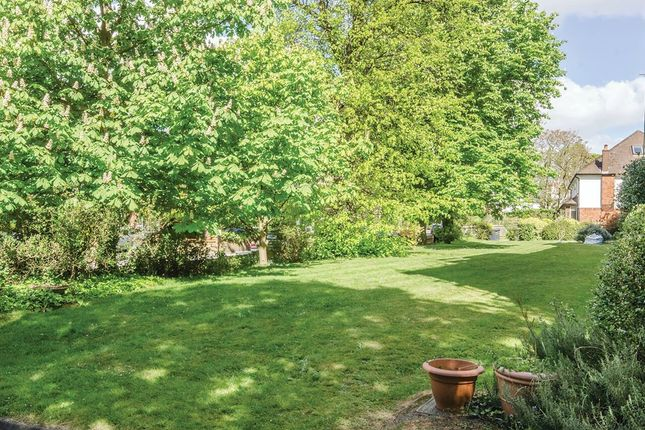 Beechwood Road London Sold Property Details