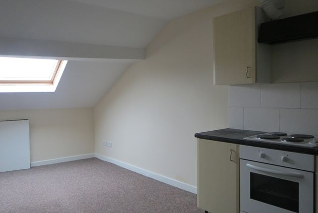 2 bed flat to rent in Market Street, Bacup OL13