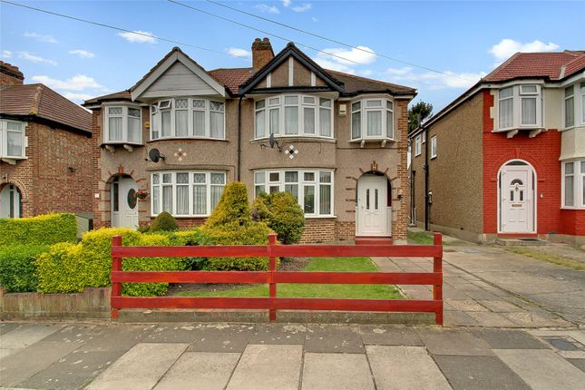 Picture No. 06 of Lincoln Close, Greenford UB6