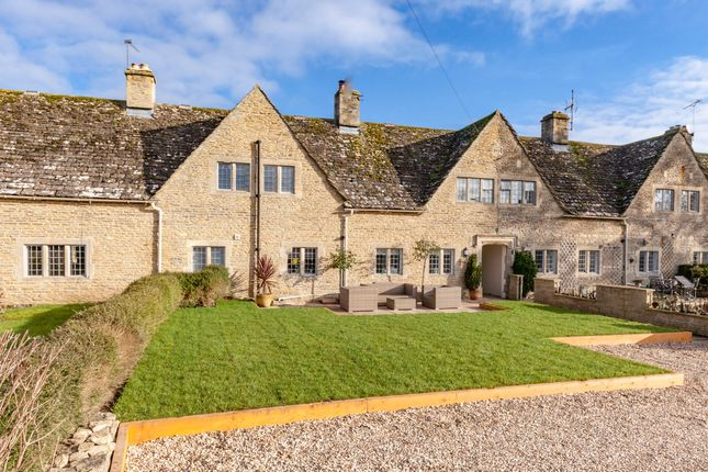 Thumbnail Cottage for sale in Saxons Close, Filkins, Lechlade