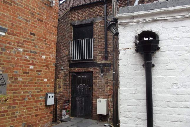 Thumbnail Retail premises to let in Old Kiln Courtyard, 4 The Borough, Farnham, Surrey