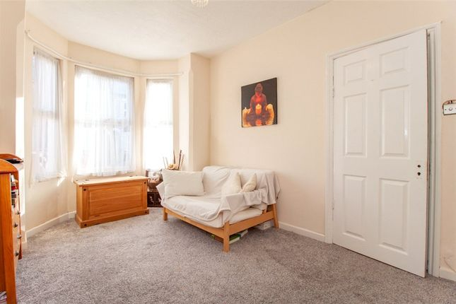 Lounge of Manchester Road, Reading, Berkshire RG1
