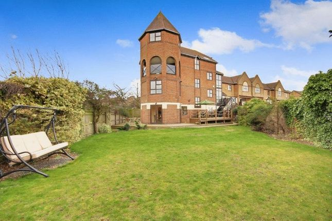 Thumbnail Property to rent in Hathaway Court, Esplanade, Rochester
