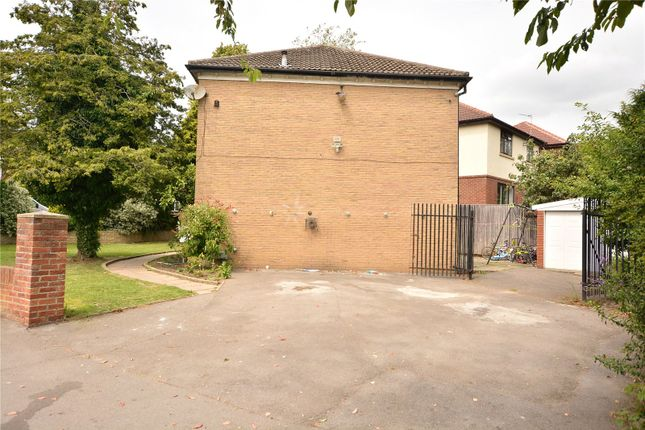 Picture No. 10 of Thorn Lane, Roundhay, Leeds LS8