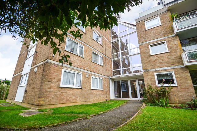 Thumbnail Flat for sale in Cumberland Court, Bexhill On Sea
