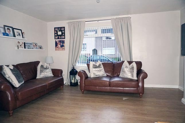 Lounge of Kelso Drive, East Mains, East Kilbride G74