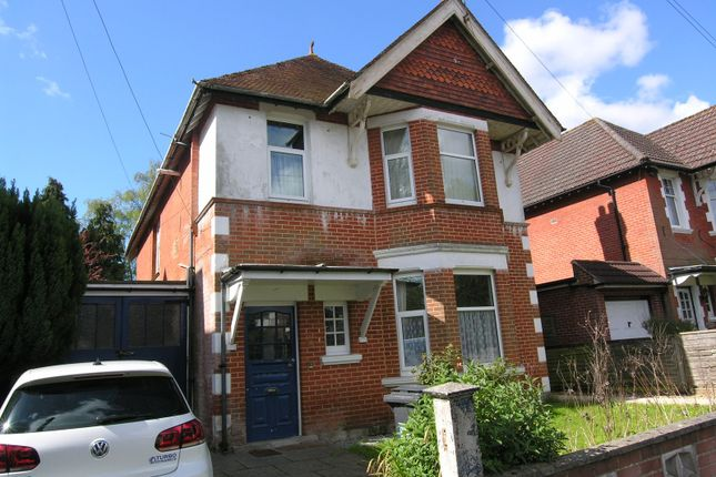 Thumbnail Flat to rent in Bryanstone Road, Winton, Bournemouth