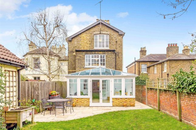 Thumbnail Town house for sale in New London Road, Chelmsford