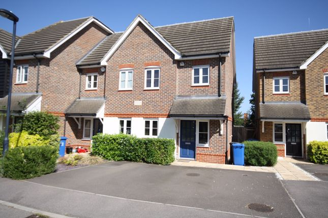 3 bed semi-detached house to rent in Dalby Gardens, Maidenhead