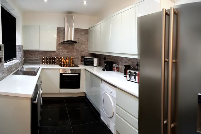Thumbnail 6 bed shared accommodation to rent in Littleton Road, Salford