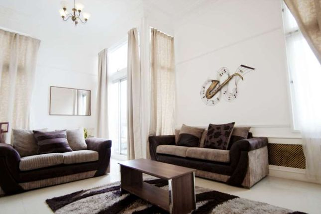 Thumbnail Flat to rent in The Water Gardens, Burwood Place, London