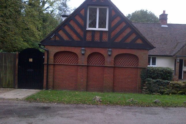 Thumbnail Flat to rent in Bucknalls Lane, Watford