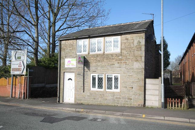 3 bed detached house to rent in Smithy Bridge Road, Littleborough