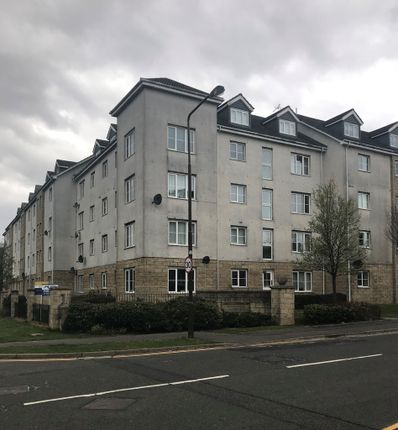Thumbnail Flat to rent in Queens Crescent, Livingston