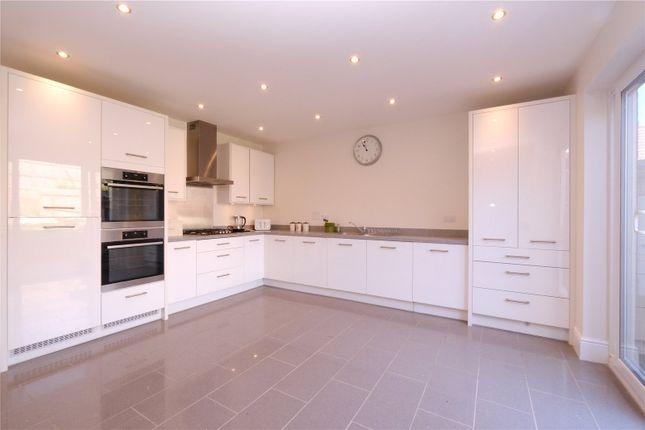 Picture No. 30 of Glover Close, Weldon, Ebbsfleet Valley, Swanscombe DA10