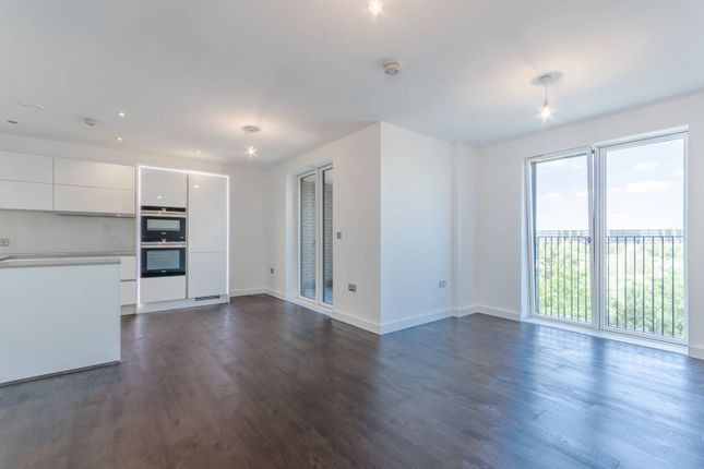 Thumbnail Flat to rent in Chobham Manor, Stratford