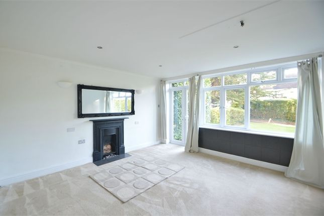 Thumbnail Flat to rent in Manor Road, Walton-On-Thames, Surrey
