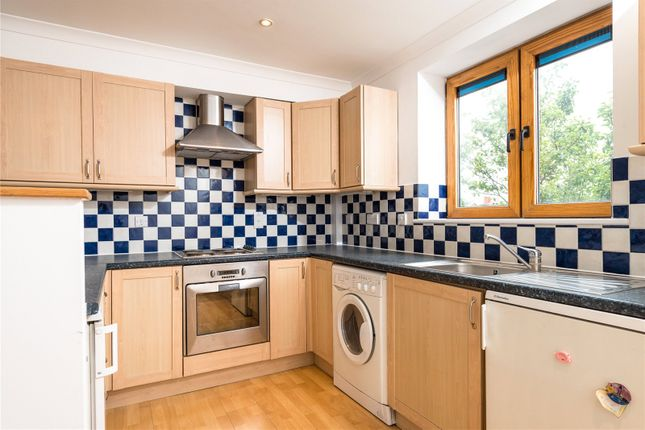 Thumbnail Flat to rent in Chiswick View, 300-320 Acton Lane, Chiswick, London