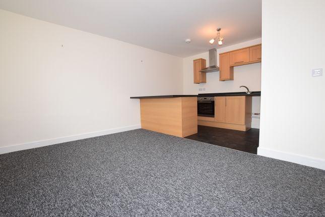 1 bed flat to rent in The Park, Kirkburton, Huddersfield HD8