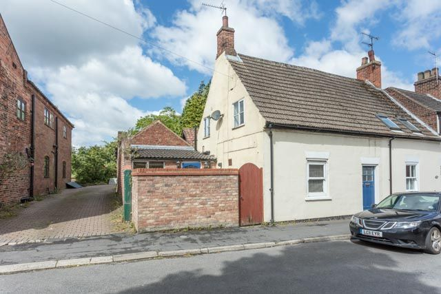 Thumbnail Terraced house for sale in North Street, Barrow-Upon-Humber