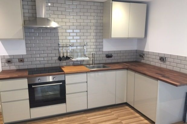 Thumbnail Flat to rent in Cross Street, Preston