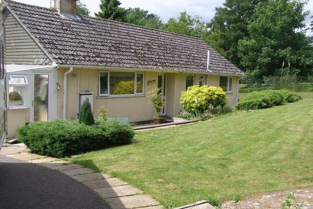 Thumbnail Detached bungalow to rent in Eynsham Road, Cassington, Witney