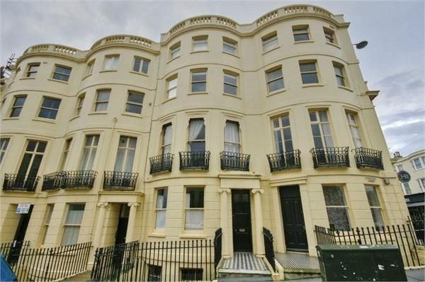 Thumbnail Maisonette to rent in Western Road, Brighton, East Sussex
