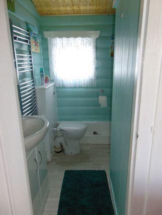 54 Bathroom of Trawsfynydd Holiday Village, Bron Aber, Trawsfynydd, Blaenau Ffestiniog LL41