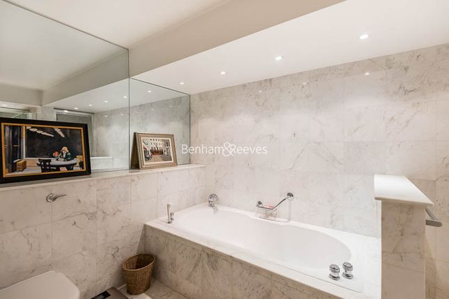 Flat to rent in Firecrest Drive, Hampstead