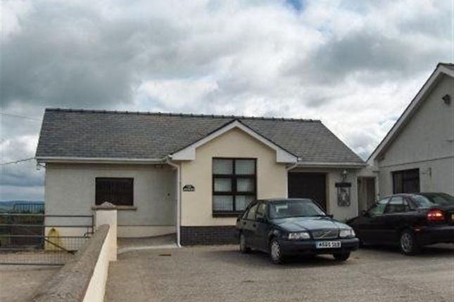 Thumbnail Bungalow to rent in Llanarthney, Carmarthen