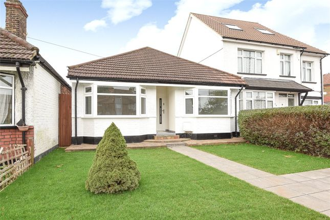 Thumbnail Detached bungalow for sale in Oakleigh Road North, Whetstone