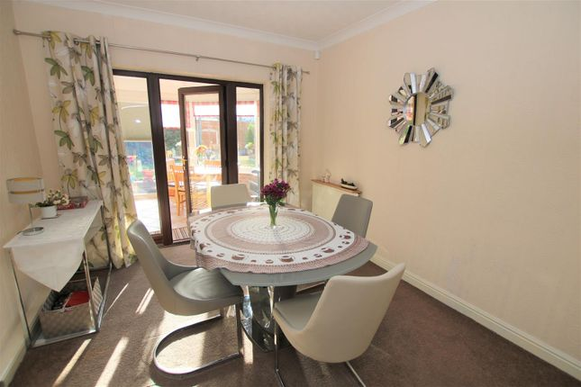 Dining Room of Lincoln Lane, Thorpe-On-The-Hill, Lincoln LN6