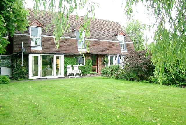 Thumbnail Cottage for sale in Manor Lane, Comberford, Tamworth, Staffordshire