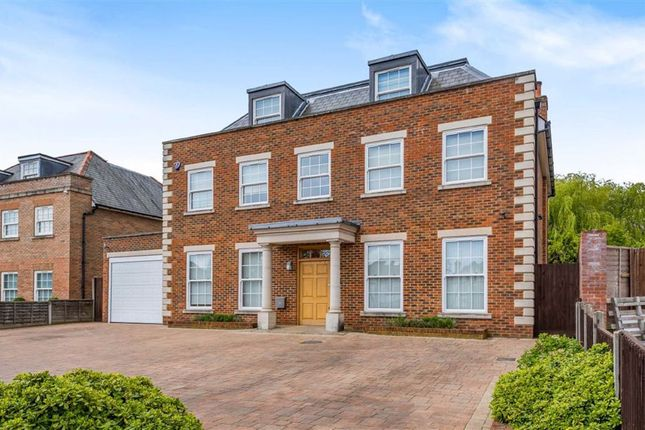 Thumbnail Detached house for sale in Parkgate Avenue, Hadley Wood, Hertfordshire