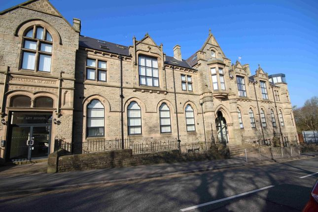 2 bed flat to rent in The Art School, Knott St., Darwen, Lancs BB3