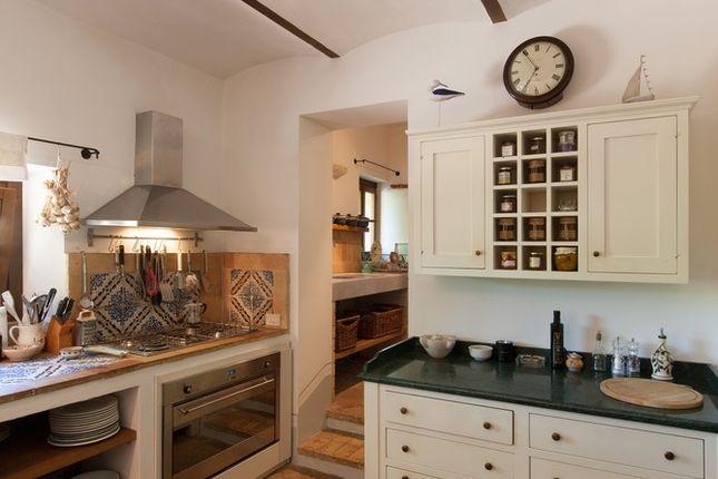Kitchen 2 of Casa Molino, Anghiari, Tuscany