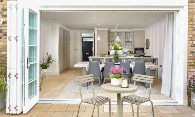 Thumbnail Terraced house for sale in Burlington Lane, Chiswick