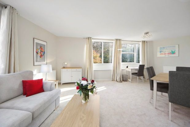 Thumbnail Flat to rent in Heathside, Weybridge, Surrey