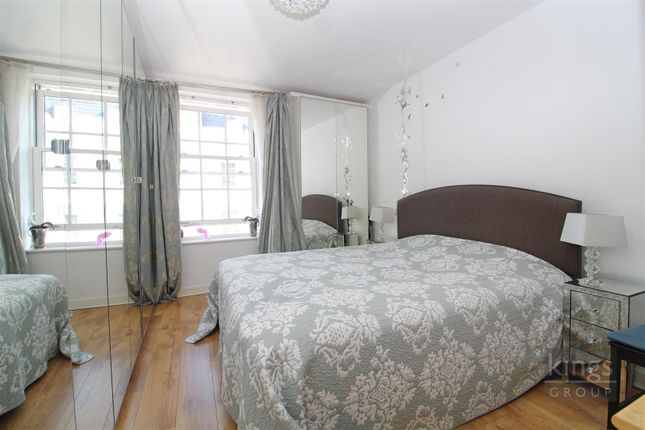 Bed 1 (3) of Charlwood Street, London SW1V