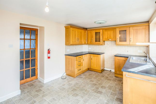 Thumbnail Terraced house for sale in Taylor Hill Road, Taylor Hill, Huddersfield