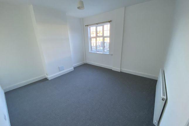 Maisonette to rent in Uxbridge Road, Hayes