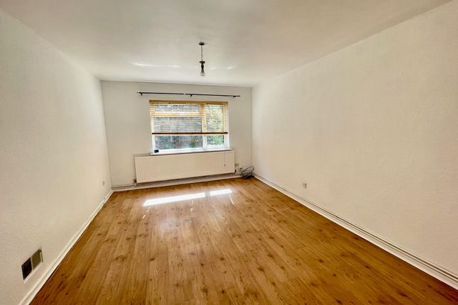 Thumbnail Flat to rent in Park Lane, Whitchurch, Cardiff