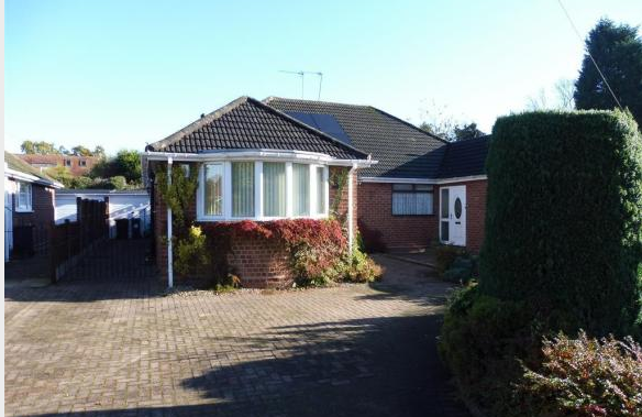 Thumbnail Semi-detached bungalow to rent in Taplow Rd, Maidenhead