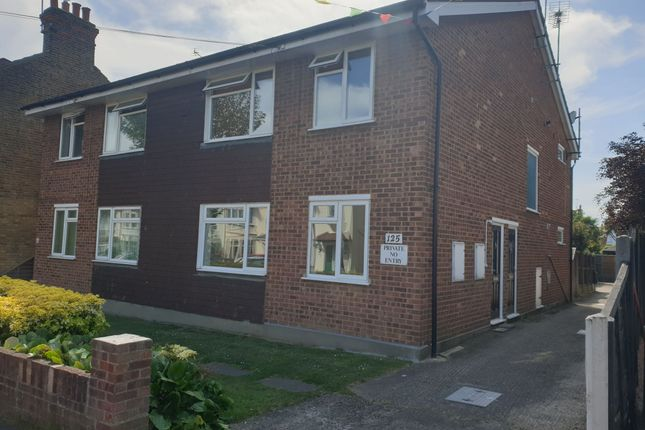 2 bed flat to rent in Southsea Avenue, Leigh-On-Sea, Essex SS9