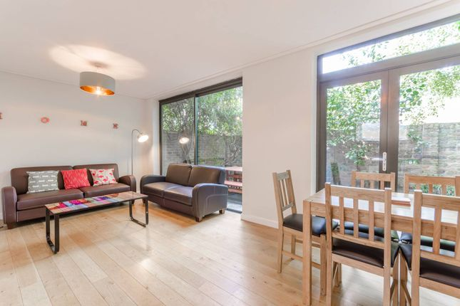 Thumbnail Terraced house to rent in Allingham Street, Angel